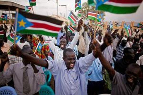 Sudánci na juhu oslavovali svoju nezávislosť. Podobné pocity zažili naposledy v Kosove.