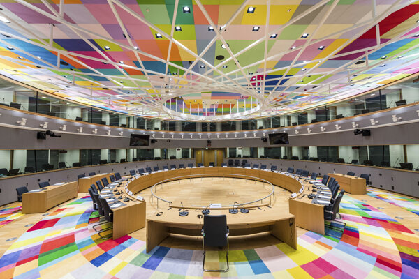 Zasadacia miestnosť Rady Európy v Bruseli.