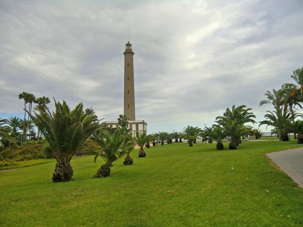 Maják Faro de Maspalomas a prichádzajúca búrka