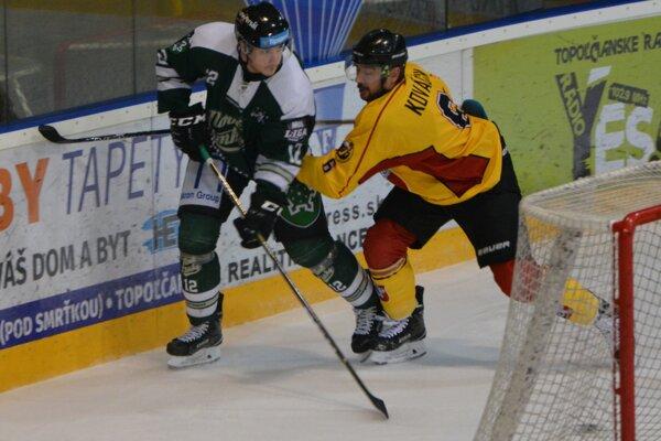 Tri body zostali v Topoľčanoch, na jeden zápas prišiel vypomôcť i odchovanec topoľčianskeho hokeja Jozef Kilo Kováčik.