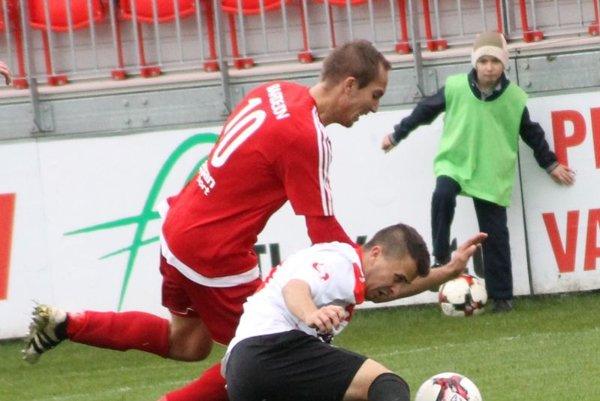 Vyhrávali 3:0, ale berú len bod. Bardejov záver zápasu sLiptovským Mikulášom absolútne nezvládol.Trikrát inkasoval aprišiel ovýhru.