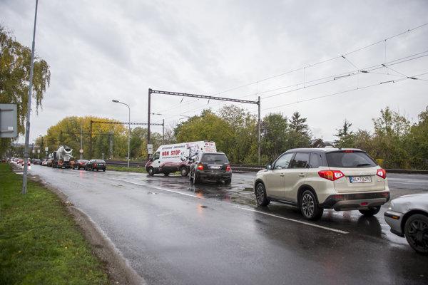 Križovatka Vrakunskej, Ivanskej a Trnavskej cesty v hlavnom meste.