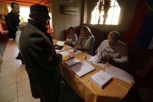 Obyvatelia mestskej časti Horný koniec v Handlovej dnes budú voliť v krčme.