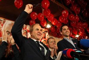 Ján Lunter oslavuje svoje víťazstvo.