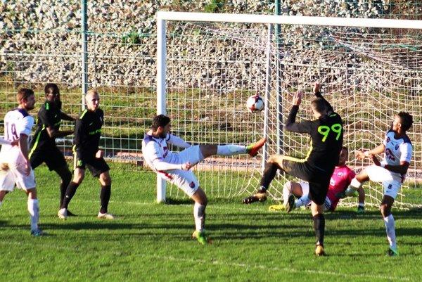 V zápase Zvolena so Sereďou diváci gól nevideli.