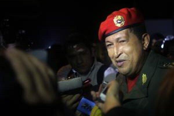 Hugo Chávez rieši problémy so suchom predĺžením Veľkej noci. Opozícia v problémoch vidí svoju šancu.