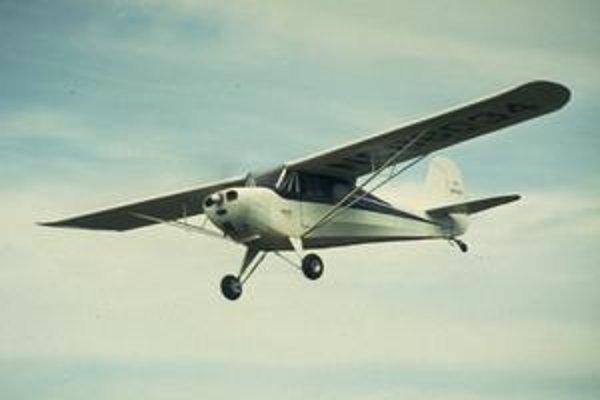 Dopravný Boeing ohrozil malý stroj Aeronca 11AC.