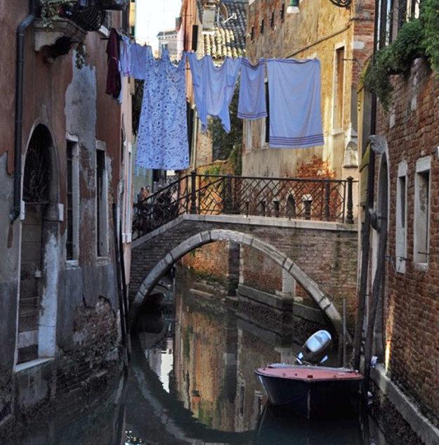 Atmosféra v uliciach Benátok