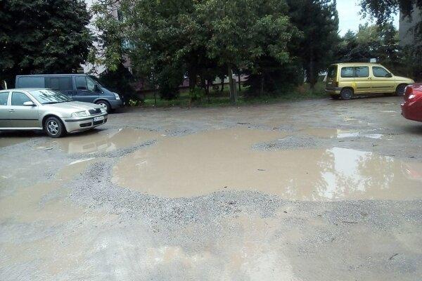 Aj takéto parkoviská nájdete v Zlatých Moravciach.