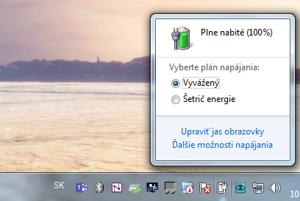 Do možností napájania sa dá dostať aj tak, že kliknete na ikonu batérie (napájania) v stavovom riadku a kliknite na Ďalšie možnosti napájania.