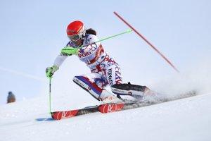 Petra Vlhová na trati prvého kola slalomu SP vo fínskom Levi.