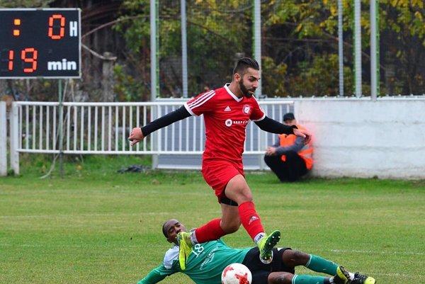 V červenom Tomáš Szöcs, autor dvoch domácich gólov.