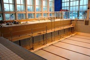 Oprava bazéna si vyžaduje svoj čas po technologickej stránke.