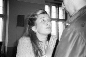 Henrieta Hrinková sa ako prvá odvážila hovoriť požiadavky študentov na kameru na proteste 16. novembra.