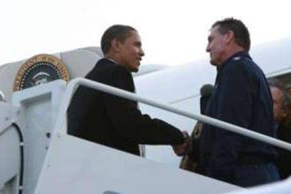 Novozvolený americký prezident Barack Obama opúšťa domovské Chicago.