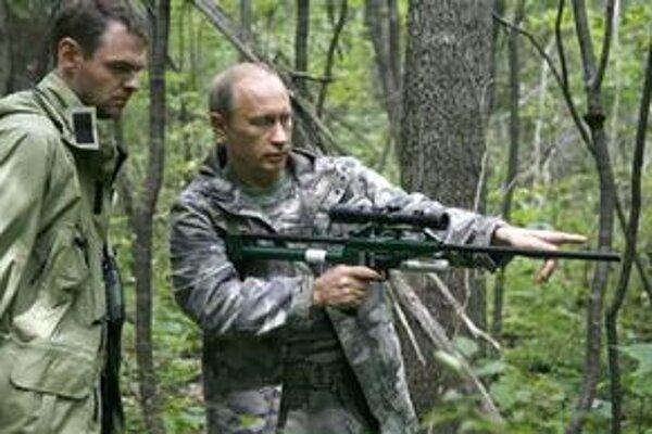 Bývalý prezident Putin rád zdôrazňuje svoj imidž rozhodného lídra