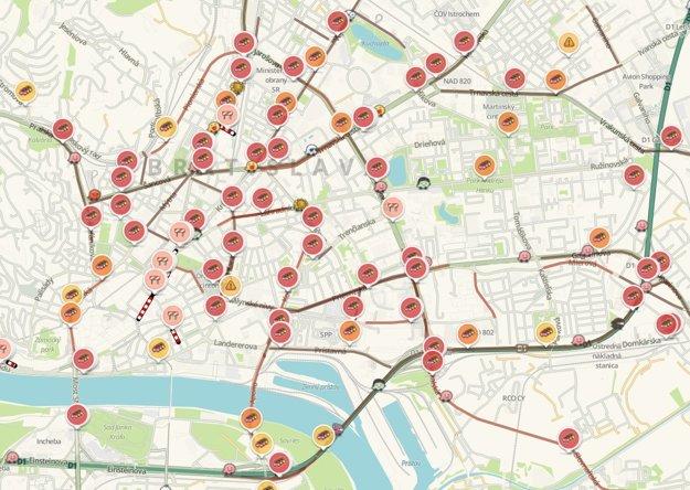 Situácia na cestách v Bratislave vo štvrtok podvečer.