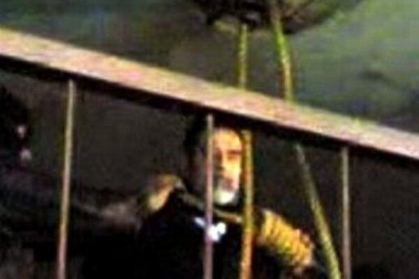 Záber z videa popravy Saddáma Husajna.