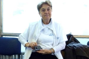 Magdaléna Kunyová má cukrovku od 37 rokov. Dávkovať inzulín jej pomáha pumpa.