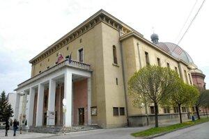 V Dome umenia inštalovali výstavu o skladateľovi Jozefovi Grešákovi.
