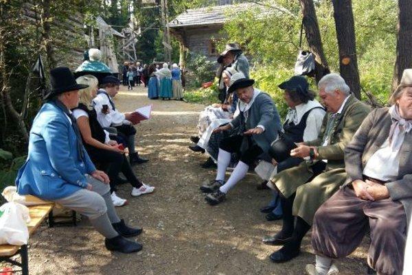 V skanzene sa točila česko-slovenská rozprávka. Zahrali si v nej aj Kysučania.