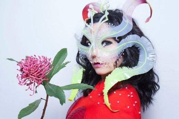 Björk sa na nový album dlho pripravovala. Čítala si akademické práce a beletriu o utopii.