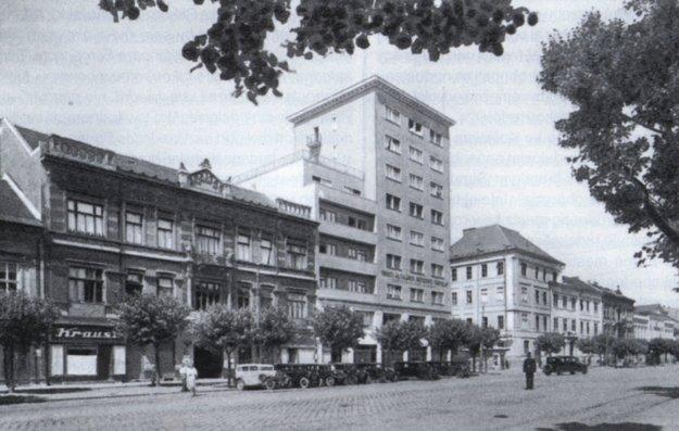 Košický osemposchoďák, dokončený v roku 1939.