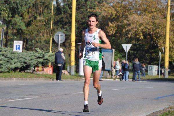 Branislav Šarkan na trati Košického maratónu.