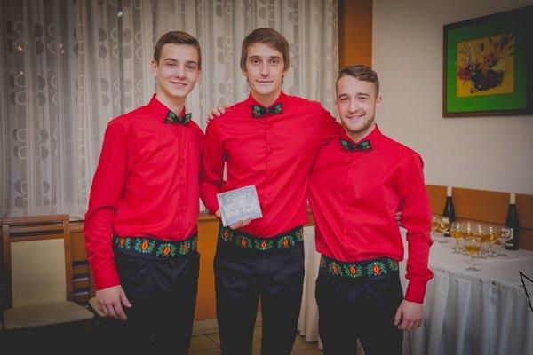 Labirsky beťare. Bratia Denis a Peter Zjatikovci a Roland Guba (v strede).