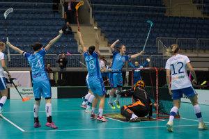 Slovenské florbalistky v zápase s favoritkami z Fínska dvakrát vyhrávali.