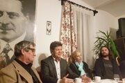 Hostia debaty (zľava): Štefan Packa, Rudolf Urbanovič, Alena Chebeňová, Marek Uram. FOTO: (MP)
