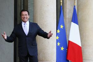 Arnold Schwarzenegger po príchode na klimatický summit v Paríži.