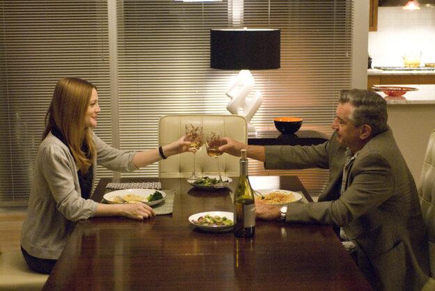 Drew Barrymore a Robert De Niro v snímke Všetci sú v pohode (2009).