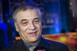 Jozef Pribilinec si prevzal ocenenie Športová legenda počas slávnostného vyhlásenia ankety Športovec roka 2017.