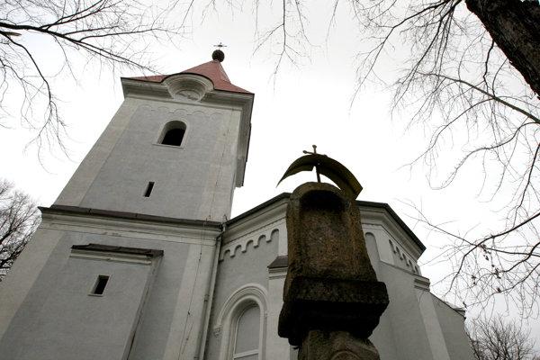 Zásah potrebuje najmä kostolná veža.