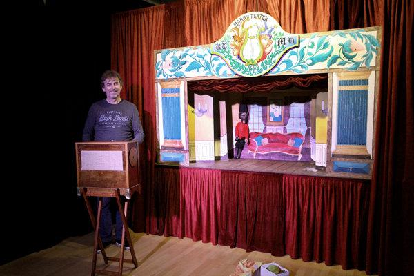 Bábkové divadlo ponúka program pre deti i dospelých.