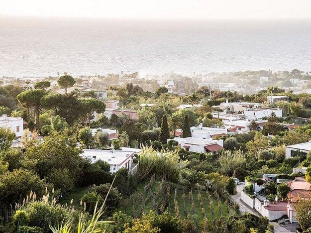 Ischia má svoj zelený pôvab.
