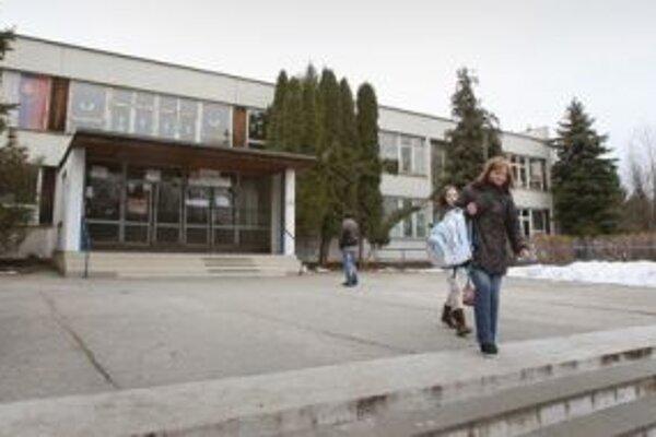 Racionalizáciu základných škôl v zriaďovateľskej pôsobnosti mesta stiahli z rokovania