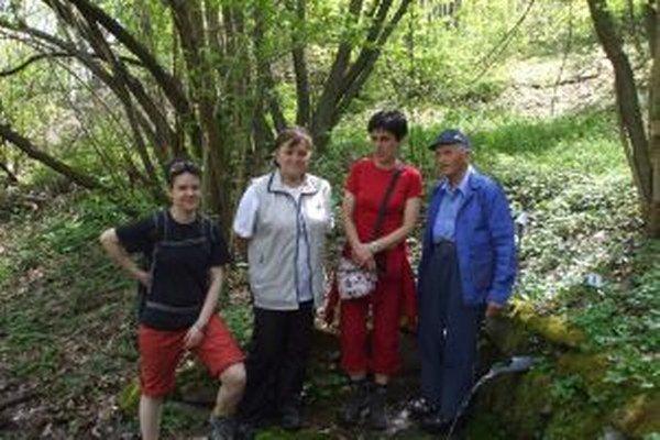Studničkári z Brezna. Vďaka nim sa na potulkách prírodou dostanú ľudia k čistej vode.
