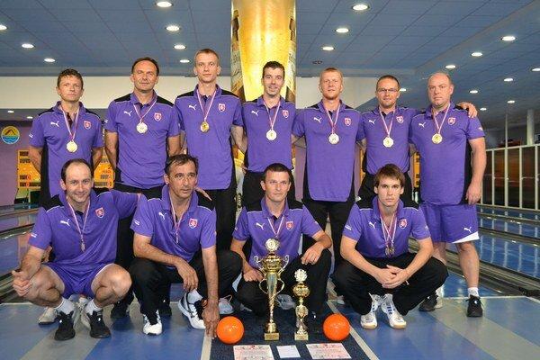 Podbrezovskí hráči si zo Srbska odniesli zlato.