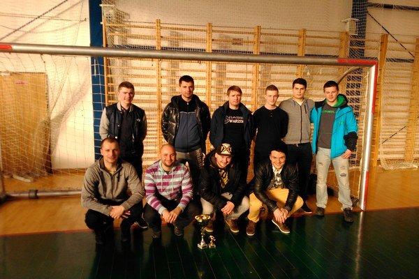 Na turnaji sa z víťazstva radovali hráči ŠK OPL Poniky.