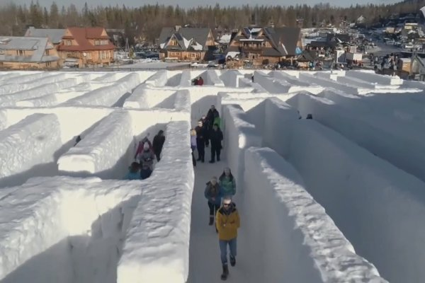 Labyrint je veľká výzva. Niekto sa z neho dokáže vymotať už za 20 minút, ale niektorí tam blúdia aj 2,5 hodiny.