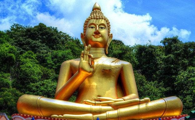 Socha Budhu na Wat Khao Rang.