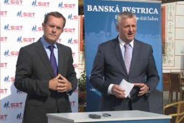 Kandidáta na primátora Mariana Korytiaka prišiel do Banskej Bystrice predstaviť predseda Siete R.Procházka