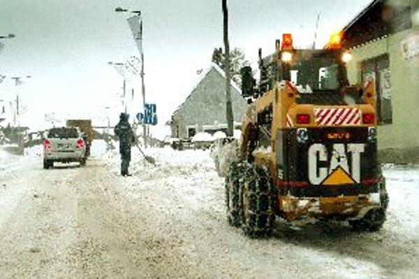 Posledná zima potrápila obecné rozpočty, podľa meteorológov môže počasie prekvapiť aj v marci