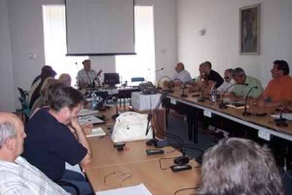 Starostovia Horehronia upozorňujú, že bez finančného vyrovnania vrátia štátu kompetencie.