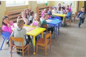 Papradnianski škôlkari v nových priestoroch.