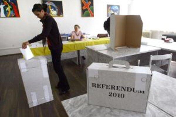 O referendum v Hornej Mičinej nebol veľký záujem, ľudia sa viac venovali jesenným prácam.