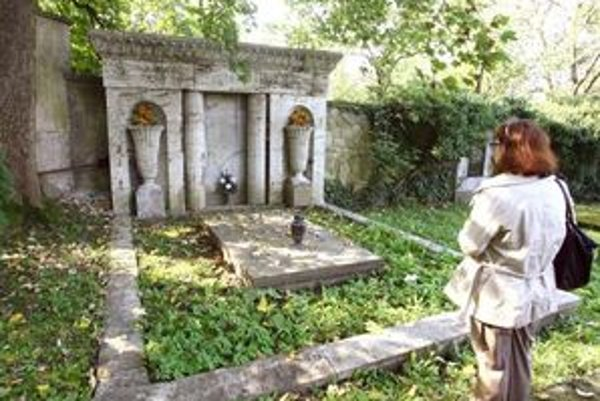 Záujem o rodinnú hrobku Hudecovcov vzrástol.
