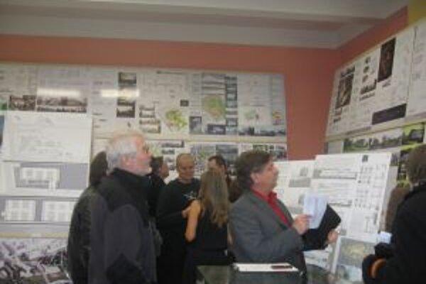 Výstavu súťažných návrhov na hotel pri Pamätníku SNP si môžete pozrieť do 3.decembra